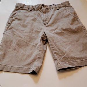 Vineyard Vines Khaki Plain Front Shorts in size 14
